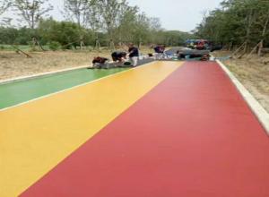 防止彩色防滑路面出现伸缩缝的方法措施