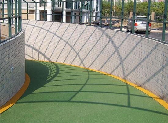 陶瓷颗粒防滑路面在弯道上的作用