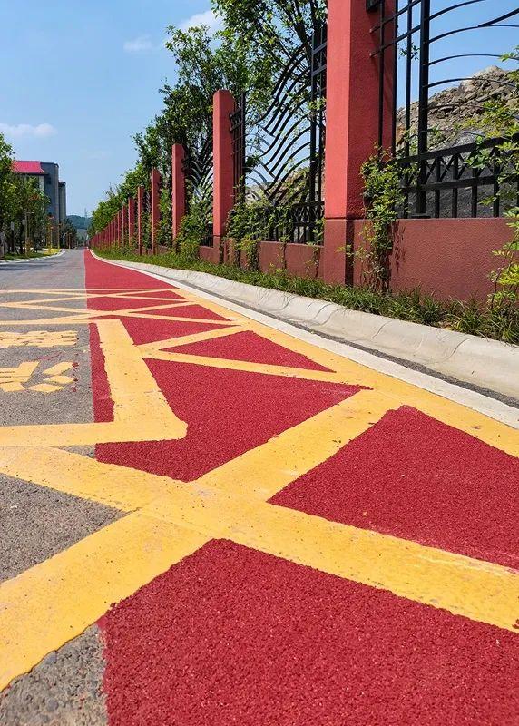 利用石材废料生产彩色路面砖的生产技术